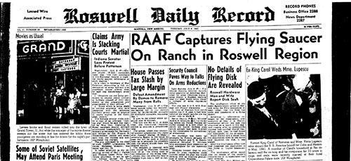 """Prima pagina del """"Roswell Daily Record"""", dove venne data la notizia della cattura del disco volante e dei resti dei suoi occupanti."""